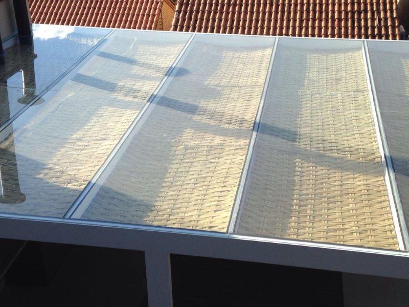 Pergolado com cobertura de vidro preço